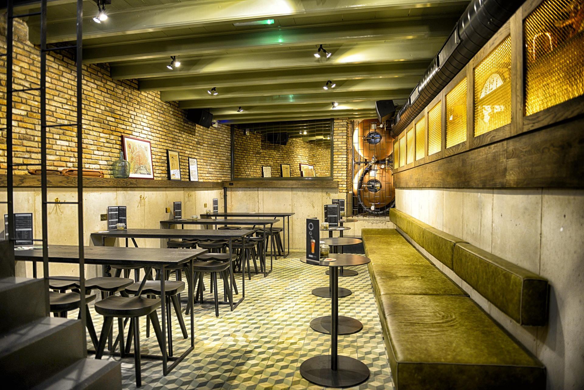 coffeeshop amsterdam cafe