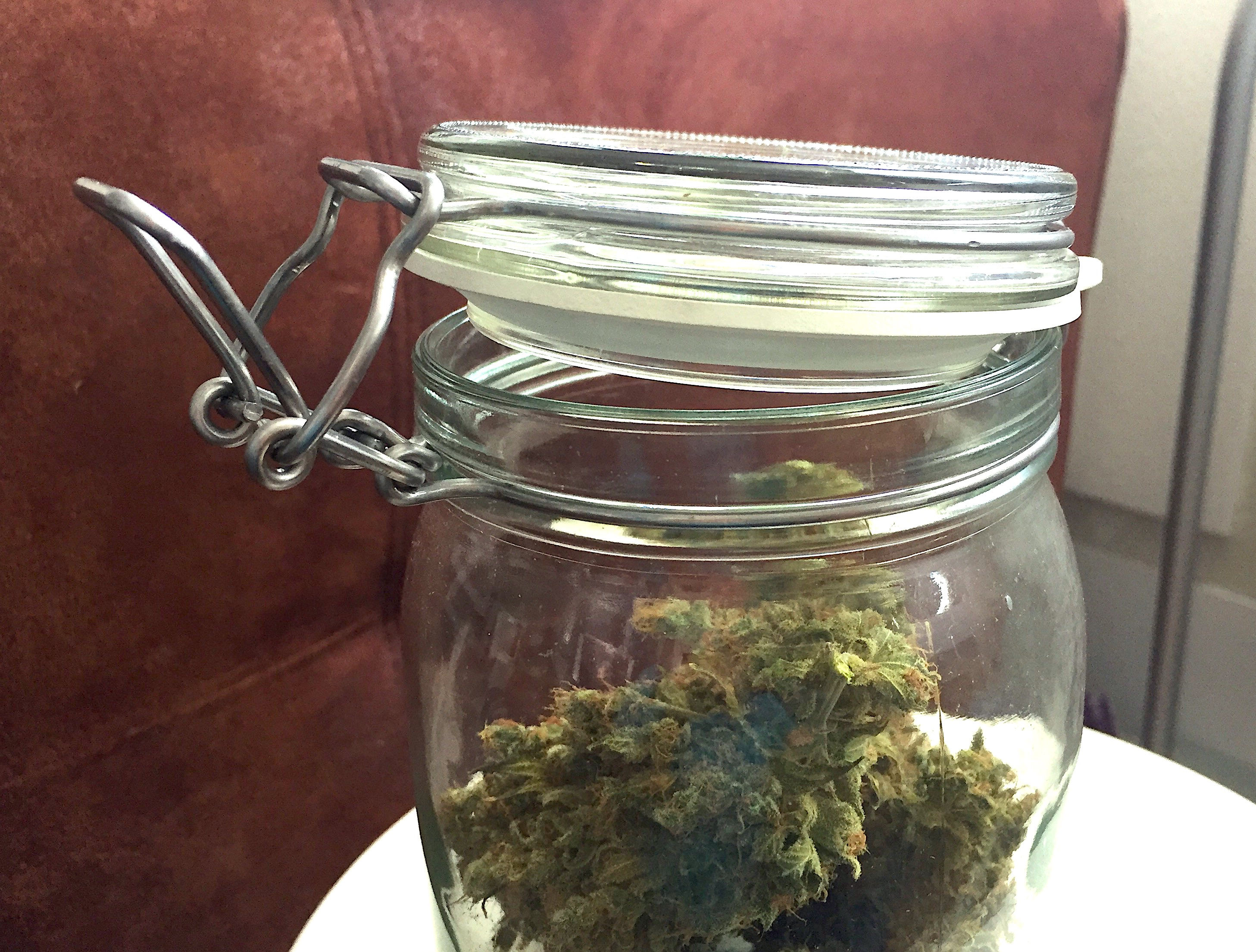 burping cure cannabis glass jar